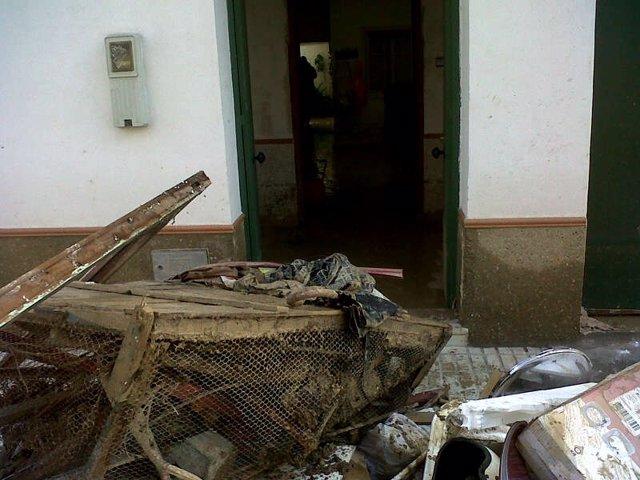 Limpieza en Écija tras las inundaciones