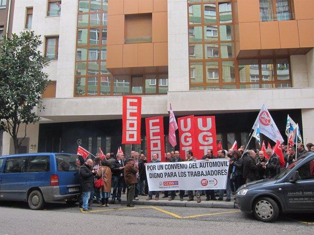 Concentración sindical ante la sede de ASPA.