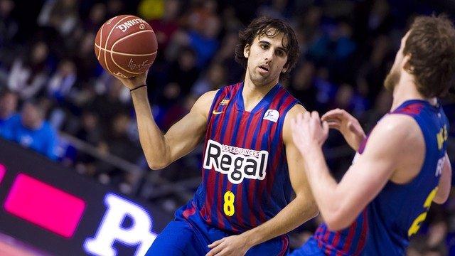 Víctor Sada y Joe Ingles, del FC Barcelona Regal