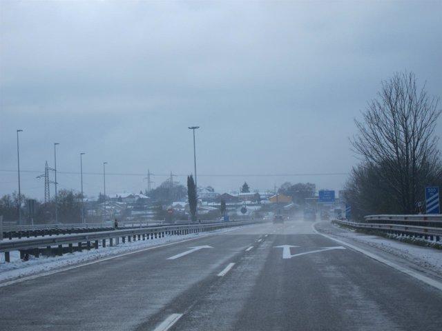 Nieva en la Autopista Y.