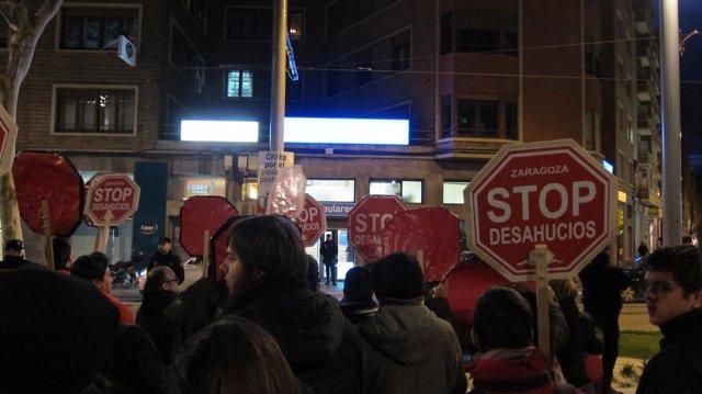 Concentración de Stop Desahucios Zaragoza frente al PP