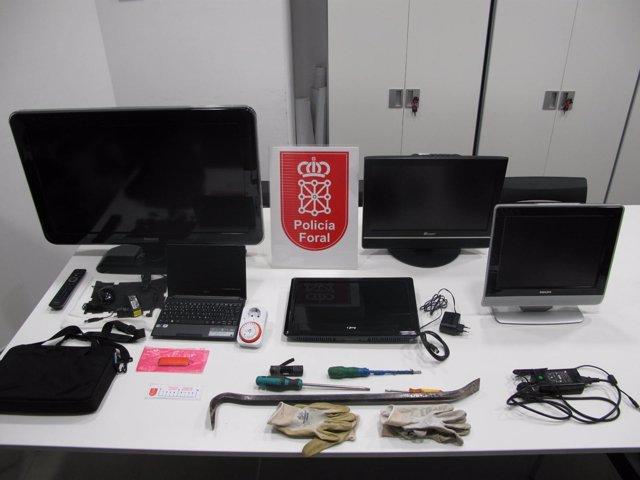Objetos incautados por la Policía Foral en Estella.