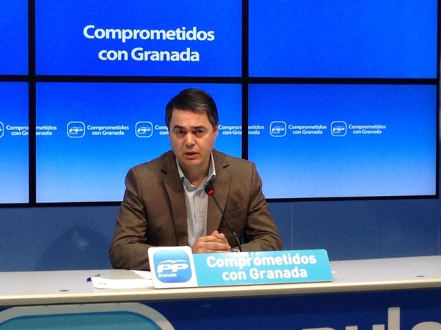 El portavoz del PP-A en el Parlamento, Carlos Rojas