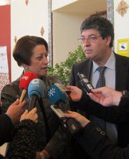 Diego Valderas y Dolores Muñoz, hoy ante los medios