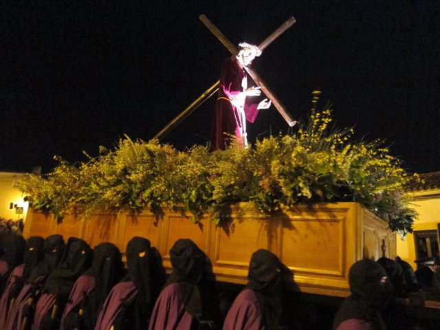 Resultado de imagen de COFRADÍA PENITENCIAL DEL SANTÍSIMO CRISTO DEL AMPARO CACERES