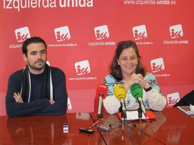 El diputado nacional de IU, Alberto Garzón, y la coordinadora regional, Henar Mo