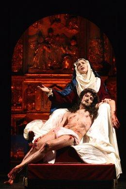 Una escena del espectáculo 'Pasión' de Teatro Corsario.