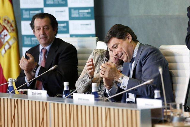 González en un acto con empresarios, en la sede de CEIM