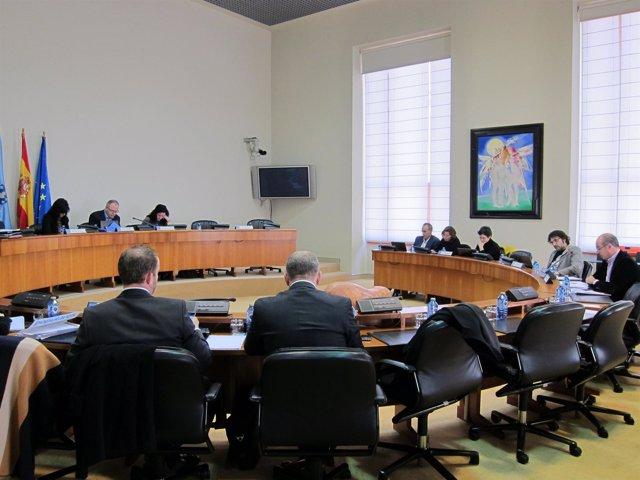 Diputados en la Comisión de Economía del Parlamento de Galicia