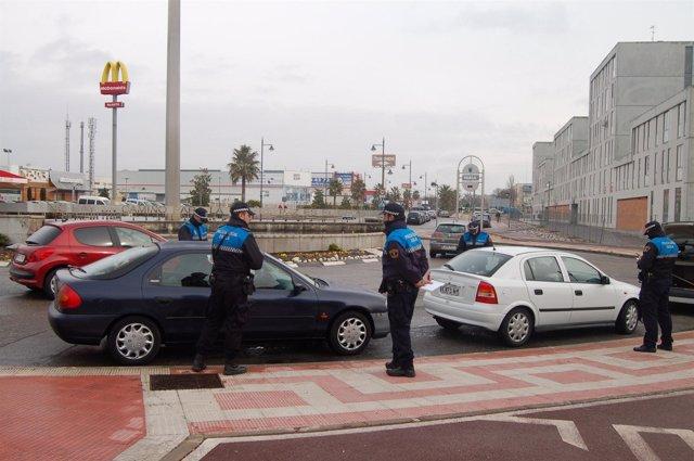 Imagen del dispositivo policial en el entorno de la calle Toledo