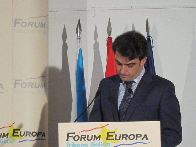 Diego Calvo, presidente de la Diputación de A Coruña, en un desayuno informativo