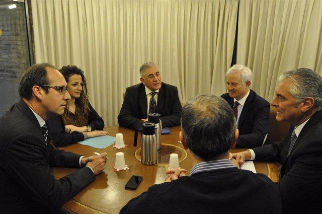 Reunión de PP y PAR sobre la Ley de Capitalidad