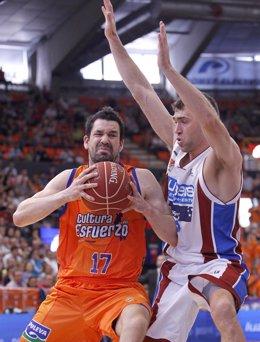 Rafa Martinez,Ben Dewar Valencia Basket - Blusens Monbus