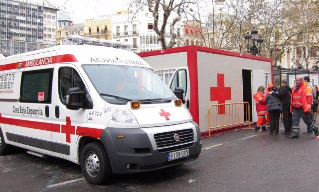 Efectivos de Cruz Roja en la mascletà, Fallas de Valencia