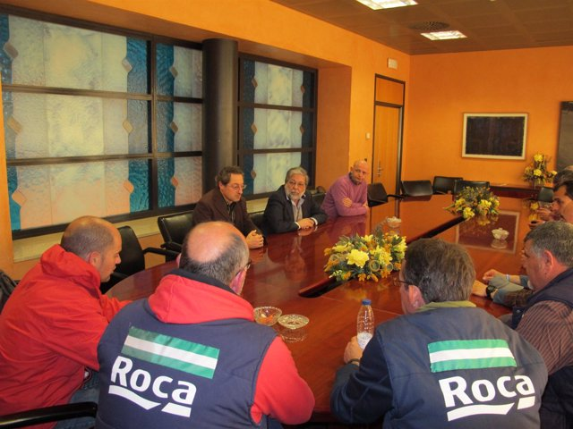 Francisco Toscano recibe a trabajadores de Roca