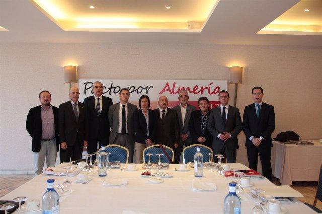 Asistentes a la primera reunión del Pacto por Almería