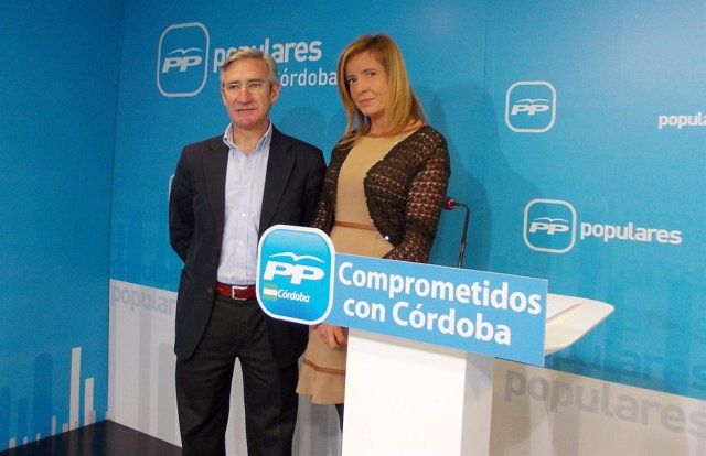 Arauz y Alarcón en la sede del PP de Córdoba