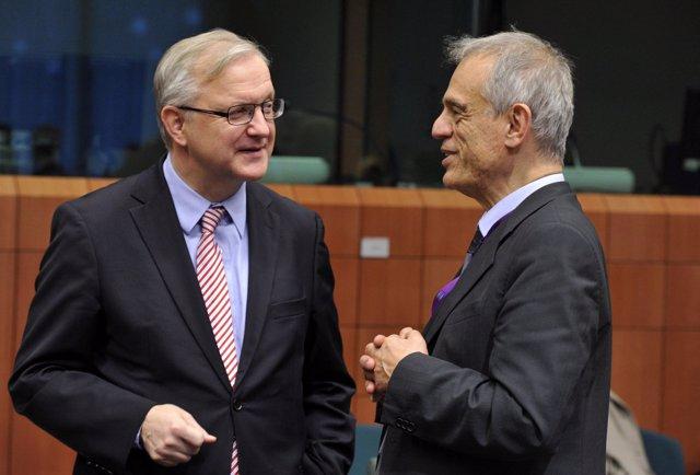 Olli Rehn con el ministro de Finanzas de Chipre, Michalis Sarris
