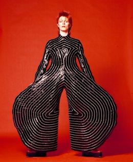 David Bowie is ('David Bowie es')