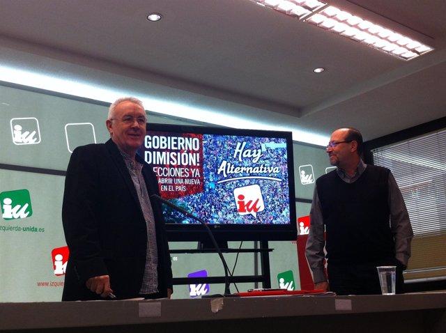 Cayo Lara y Miguel Reneses en la sede de Izquierda Unida