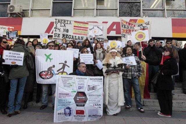 Concentración de trabajadores de Iberia