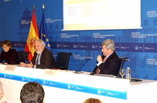 El ministro Miguel Arias Cañete presenta  'Más alimentos, menos desperdicio'