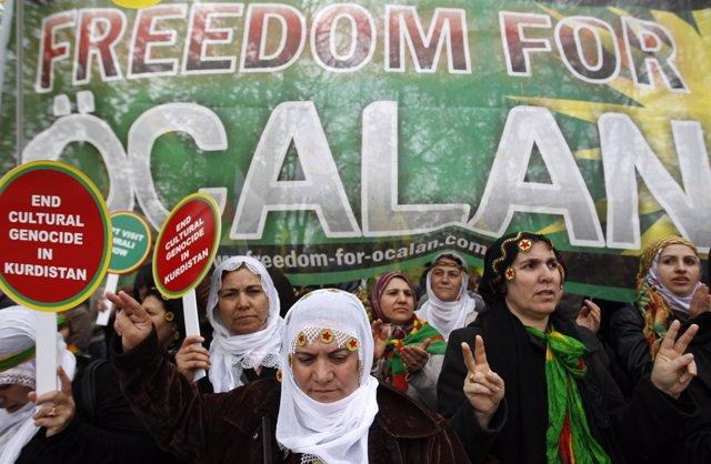 Manifestación en favor del líder del PKK, Abdulá Ocalan