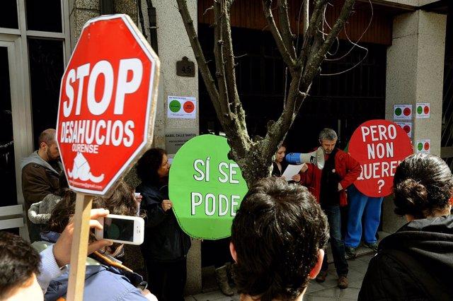 Escrache en Ourense ante la casa de Celso Delgado