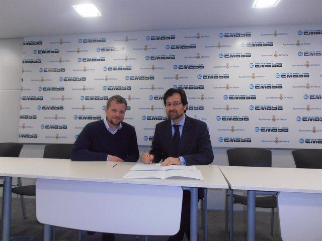 El presidente de Emaya, Andreu Garau, junto a Ivan González