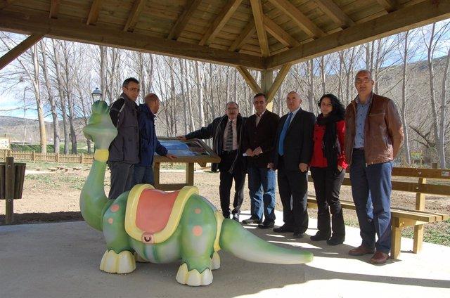 Visita de Pardo al parque del Cretáceo