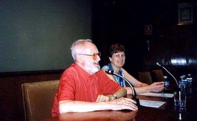 Jose Luis Sampedro y Olga Lucas en la presentación de la asociación en 2002