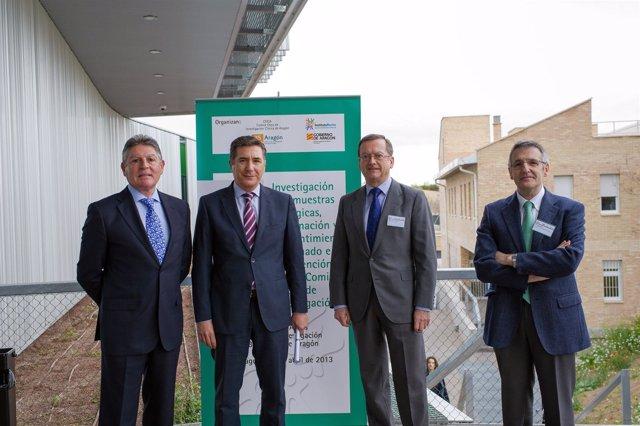 Imagen de los expertos junto al consejero Ricardo Oliván