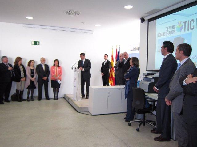 Arturo Aliaga en la presentación del centro demostrador TIC de logística