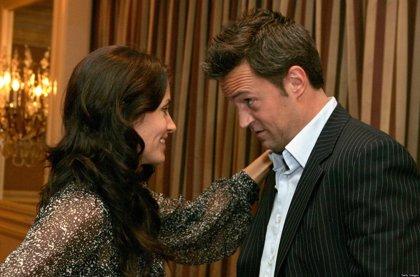 'Mónica' y 'Chandler' se reencuentran en un episodio de la serie 'Go On'