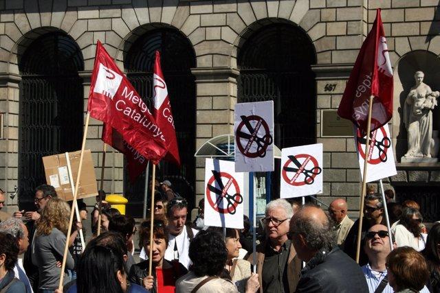 Concentración de delegados sindicales ante el ICS