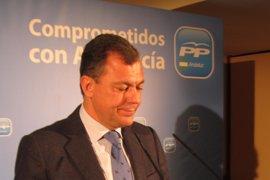 """PP-A insiste en que el """"bipartito"""" gobierna """"a golpe de titular"""" y le exige """"reformas"""" para salir de la crisis"""