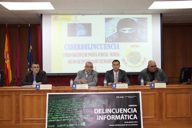 Conferencia 'Delincuencia informática' en la UCAM