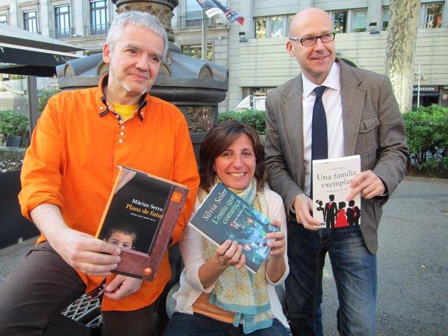 Los escritores Màrius Serra; Sílvia Soler y Genís Sinca