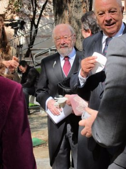 José Manuel Caballero Bonald llega a la ceremonia del Premio Cervantes