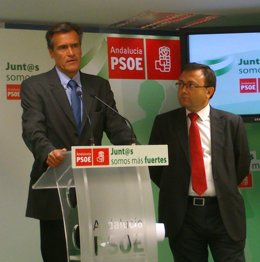 Juan Fernando López Aguilar y Miguel Angel Heredia psoe