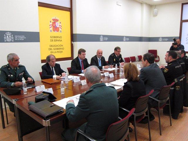 Imagen de la reunión en la  Delegación del Gobierno