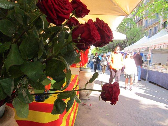 Parada de rosas en Rambla Catalunya Sant Jordi
