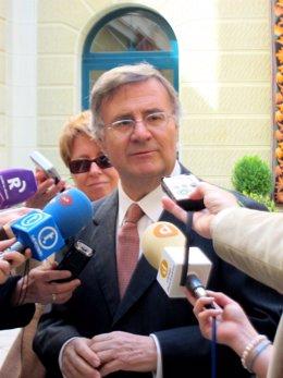 Arturo García-Tizón