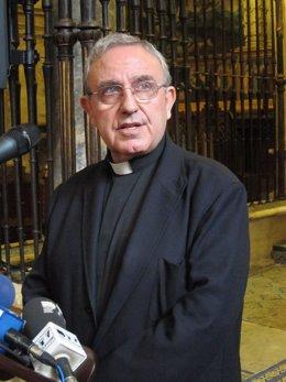 El presidente del Cabildo Catedral, Manuel Pérez Moya