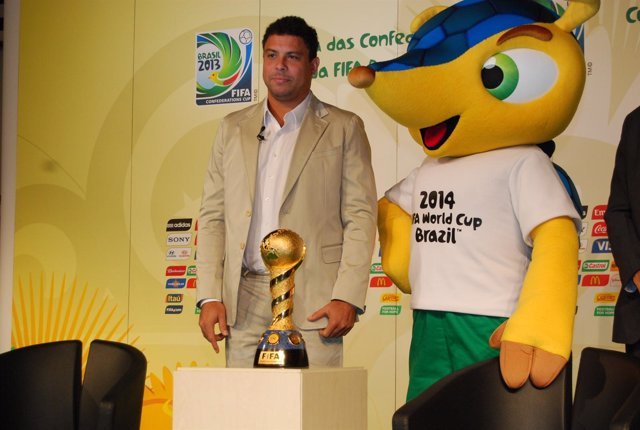 Ronaldo presentación Copa Confederaciones Brasil 2013