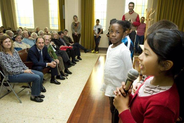 El presidente en los actos del Día del Libro en el Asilo La Caridad