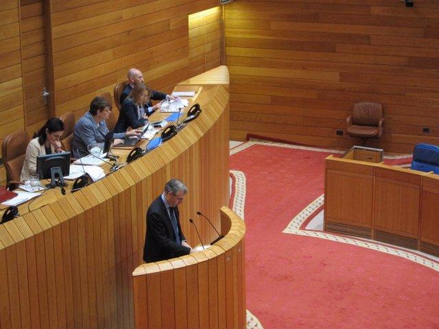 Francisco Conde en el pleno del Parlamento gallego