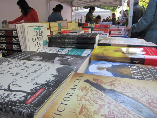 Libros en una parada de Rambla Catalunya Sant Jordi