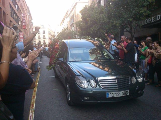 Cortejo Fúnebre Con Los Restos Mortales De Santiago Carrillo Por Madrid