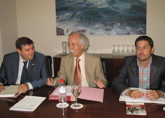 El Consejo Social de la Universidad de Huelva, presidido por Julio Revilla.